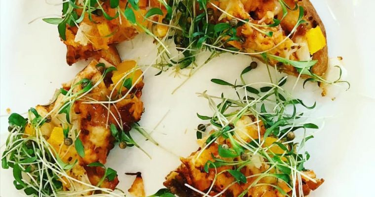 Air Fryer Sweet Chili Chicken Mini Naan Pizza
